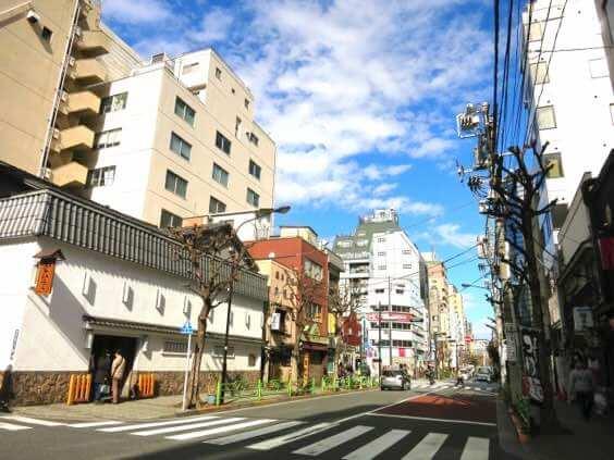 東京日本橋周辺でお友達同士など二人以上で本格的な個室セッションや占い